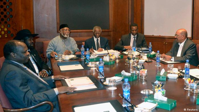 (L-R) Pagan Amum, south Sudan chief negotiator, South Sudan's President Salva Kiir, former president of Nigeria Abdulsalam Abubakar, Chief African Union mediator Thabo Mbeki, former Burundi president Pierre Buyoya and President of Sudan Omar Hassan al-Bashir meet during talks in Ethiopia's capital Addis Ababa September 24, 2012. Leaders from Sudan and South Sudan will meet on Sunday for the first time in a year to try to agree on border security so that South Sudan can start exporting oil again, a lifeline for both economies. REUTERS/Tiksa Negeri (ETHIOPIA - Tags: BUSINESS COMMODITIES POLITICS)