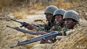 Kenyan army soldiers fighting al-Shabab