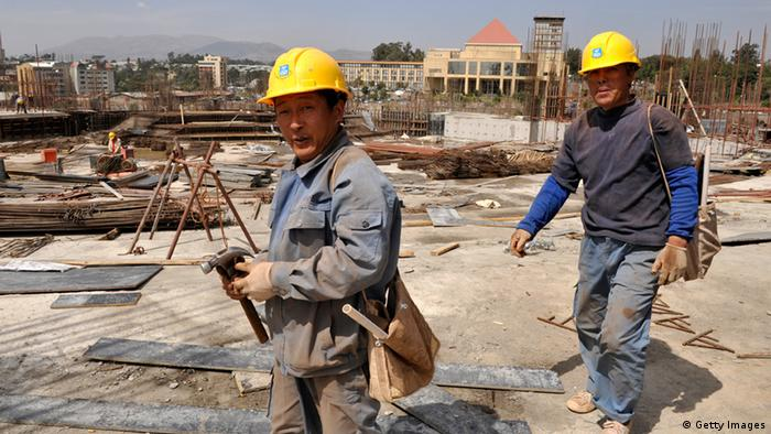 China Einfluss in Afrika Baustelle in Addis Ababa Äthiopien