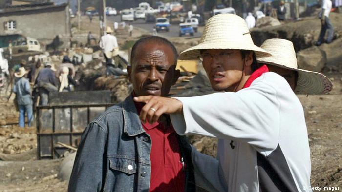China Einfluss in Afrika Baustelle in Addis Abeba Äthiopien