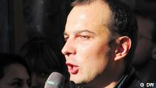 Journalisten protestieren am 01. Oktober vor dem Parlamentsgebäude in Kiew