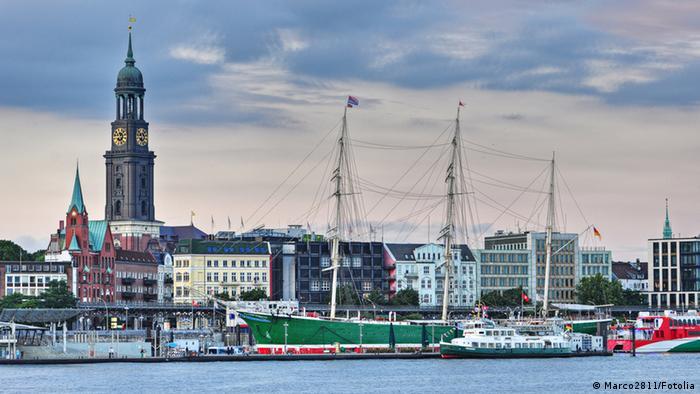 Hamburg, pogled na grad s mora
