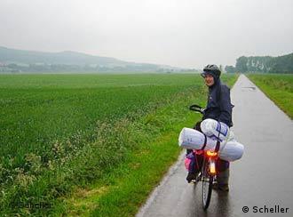Viajar na chuva requer equipamento adequado