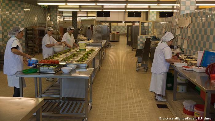 Pomoćno osoblje u kuhinjama je, prema statistikama, najlošije plaćeno zanimanje u Njemačkoj