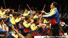Copyright Barbara Frommann, Beethovenfest, können Sie sie kostenfrei nutzen zur Berichterstattung über das gestrige Konzert. Viele Grüße Silke Neubarth (presse@beethovenfest.de) In Fotos ist das Youth Orchestra of Caracas beim Konzert im Beethovenhalle am 1. Oktober 2012 zu sehen.