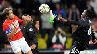Celtic's Victor Wanyama (R) vies for the ball with Dmitri Kombarov (L) of Spartak Moskva during their UEFA Champions League group G football match at the Luzhniki stadium in Moscow on October 2, 2012. AFP PHOTO / YURI KADOBNOV (Photo credit should read YURI KADOBNOV/AFP/GettyImages)