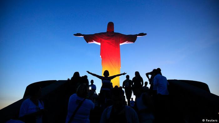 Rio de Janeiro Christus der Erlöser Statue Monument Tag der Deutschen Einheit Farben Licht