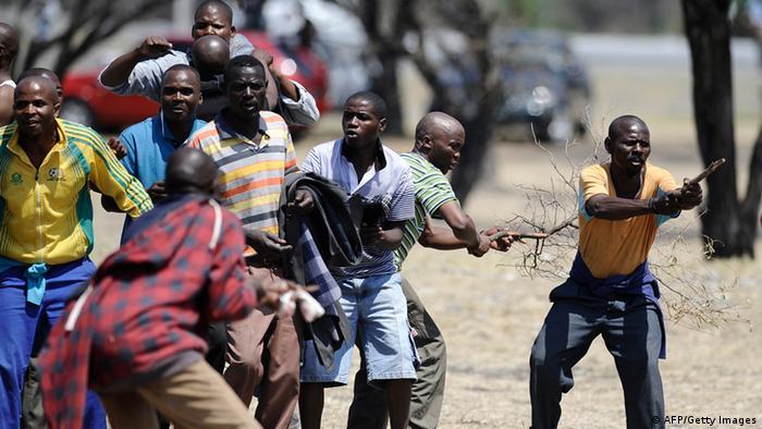 Proteste in der Platinmine in Rustenburg, Südafrika Foto: Stephane de Sakutin (AFP)