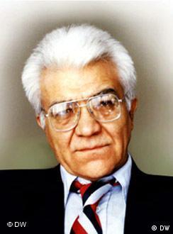 دکتر ناصر زرافشان، عضو کانون نویسندگان ایران