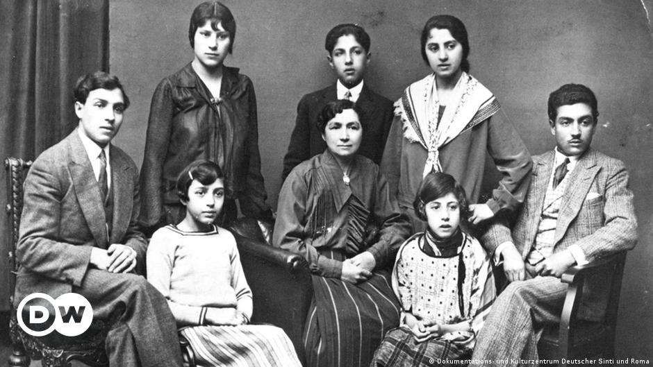 Europe remembers Sinti, Roma murdered under Nazi rule