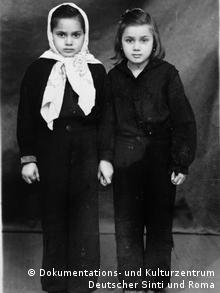 Sonja und Senta Birkenfelder (Foto: Dokumentations- und Kulturzentrum Deutscher Sinti und Roma)