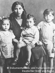 Elisabeth Emmler and her children