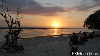 Sonnenuntergang auf Gili Trawangan mit Blick auf Bali.jpg Alle Fotos stammen von Christina Schott