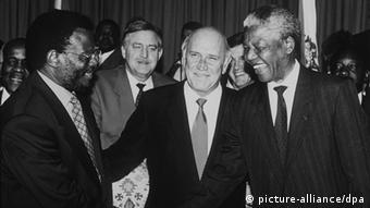 Nelson Mandela and Frederik de Clerk in 1993