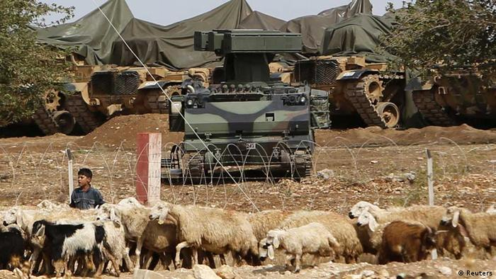 A mobile missile launcher is positioned at a military base on the Turkish-Syrian border (Photo: Reuters)