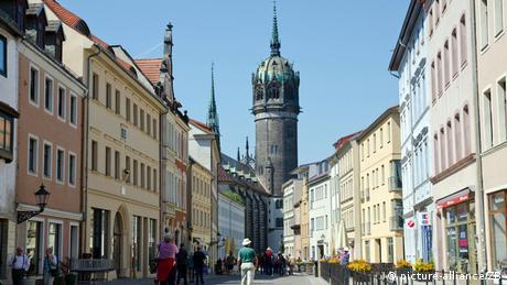 Εάν ζούσε σήμερα ο Μαρτίνος Λούθηρος θα αναγνώριζε τα στενά δρομάκια, την πλατεία της αγοράς και αρκετά σπίτια στην παλιά πόλη της Βιτεμβέργης, αφού αρκετά μέρη παραμένουν αναλλοίωτα τα τελευταία 500 χρόνια, όπως και ο Καθεδρικός Ναός.
