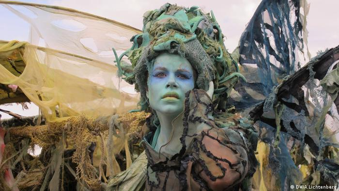 Eine verkleidete Schauspielerin beim Mittelalterlich Phantasie Spectaculum (Foto: DW/ Arne Lichtenberg)
