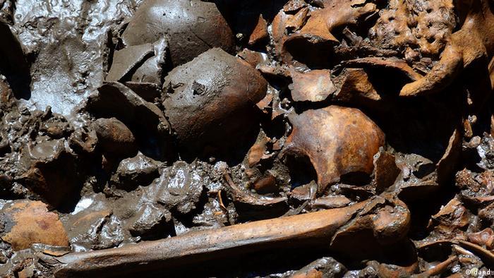 Mexiko Archäologie 50 Schädel in Aztekischem Tempel Templo Mayor gefunden (dapd)