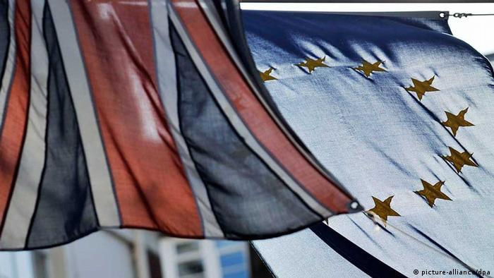The British (L) and EU flags hang outside the Europe House in London, Britain, 09 December 2011. (Photo via dpa)