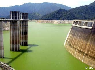 Stausee fast ohne Wasser in Katalonien