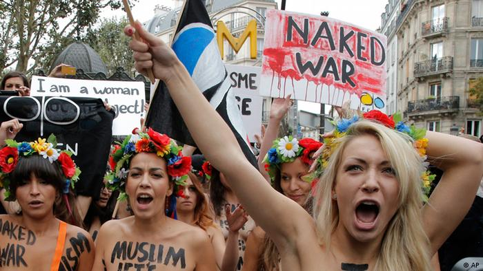 Femen in Paris