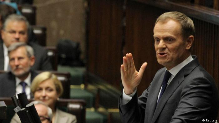 Prime Minister Donald Tusk delivers a speech at the Polish Parliament in Warsaw October 12, 2012. REUTERS/Slawomir Kaminski/Agencja Gazeta