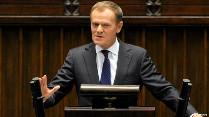 Poland's Prime Minister Donald Tusk delivers a speech at the Polish Parliament in Warsaw October 12, 2012. REUTERS/Slawomir Kaminski/Agencja Gazeta (POLAND - Tags: POLITICS) POLAND OUT. NO COMMERCIAL OR EDITORIAL SALES IN POLAND. THIS IMAGE HAS BEEN SUPPLIED BY A THIRD PARTY. IT IS DISTRIBUTED, EXACTLY AS RECEIVED BY REUTERS, AS A SERVICE TO CLIENTS. FOR EDITORIAL USE ONLY. NOT FOR SALE FOR MARKETING OR ADVERTISING CAMPAIGNS