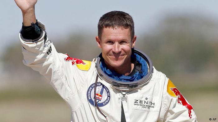 Red Bull Stratos - Felix Baumgartner (AP)