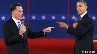 U.S. Republican presidential nominee Mitt Romney (L) and U.S. President Barack Obama REUTERS/Mike Sega