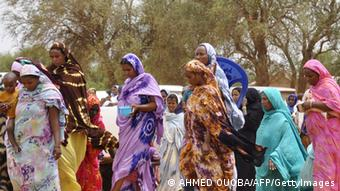 Malian refugee women in the Mentao refugee camp. AFP PHOTO / AHMED OUOBA