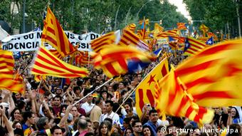 More than a million persons take part into a demonstration against the sentence of the Constitutional Court about the proposal for reform of the Statute of Autonomy of Catalonia, in Barcelona, northeastern Spain, Saturday 10 July 2010.EFE/Marta Perez pixel