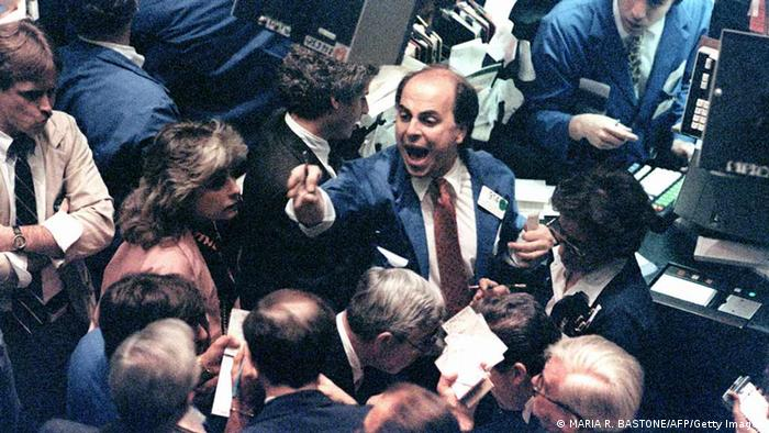 Händler-Chaos am 19. Okrober 1987 an der New Yorker Wall Street (Foto: aafp/Getty Images)
