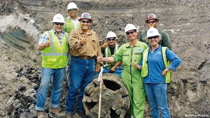 Mitarbeiter der Firma Herrenknecht bei der Verlegung einer Gaspipeline (Foto: Herrenknecht)