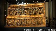 Dreikönigsschrein im Dom in Köln Nordrhein-Westfalen Deutschland