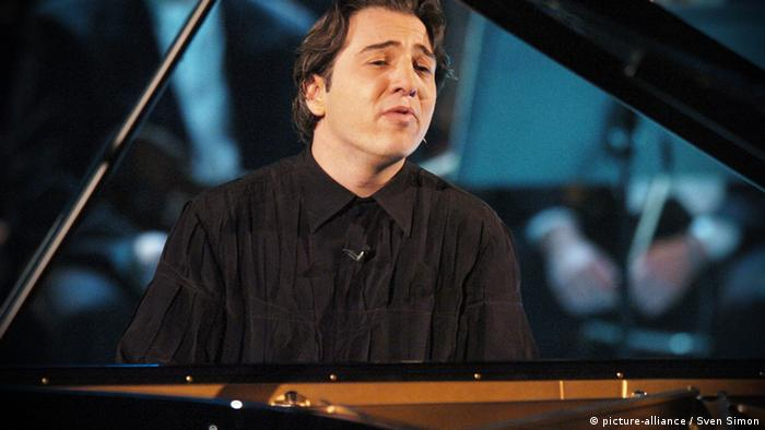 Fazil SAY performing for ZDF television in Germany in 2005