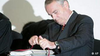 Holger Pfahls reads his files