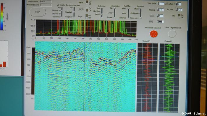 Computerauswertung der Radarwellen eines Radargerätes (Foto: DW/ Fabian Schmidt)