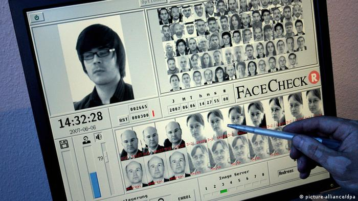 FaceCheck Gesichtserkennung (picture-alliance/dpa)