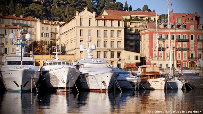 Yachts in harbour, at Nice, Cote d´Azur, Provence, France
