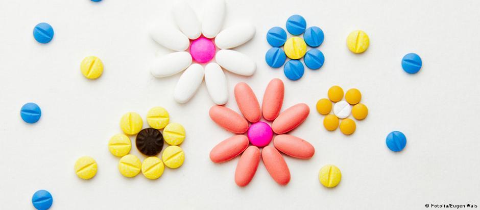 Pílulas de ecstasy, droga sintética popular em festas