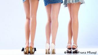 Η μόδα της μίνι φούστας