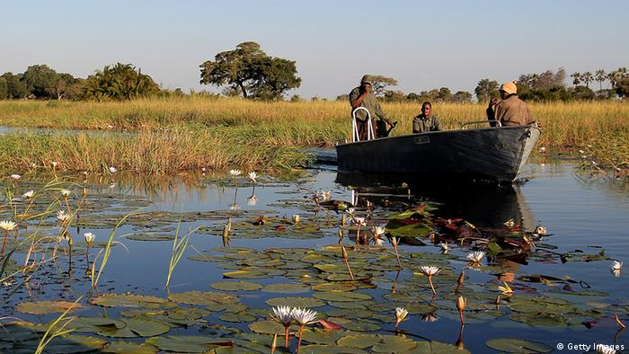 Botswana Fluß Okavango Boot (Getty Images)
