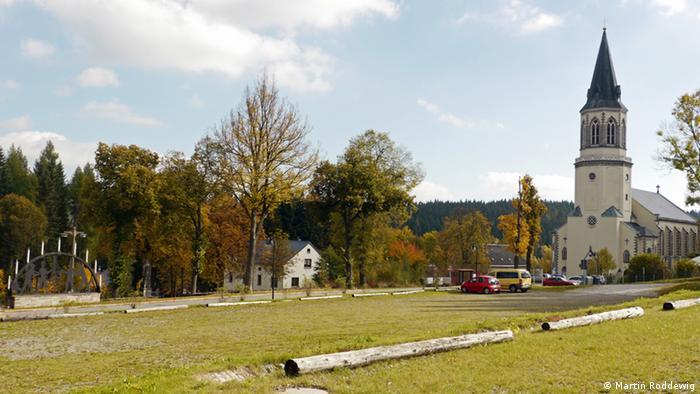 Die Kirche in der früheren Altstadt von Johanngeorgenstadt Foto: Martin Roddewig (DW)