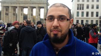 آژین اسدی، پناهجوی ایرانی از همراهی مردم آلمان با حرکت پناهجویان میگوید و آن را مثبت میداند
