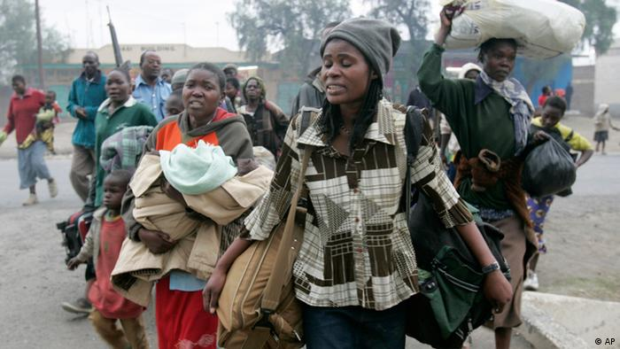 Kenyans fleeing post-election violence in January 2008, picture: (AP Photo/Karel Prinsloo)