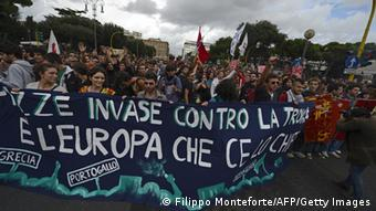 Demonstrators march during the No Monti Day demonstration on October 27, 2012 in Rome (photo: FILIPPO MONTEFORTE/AFP/Getty Images)