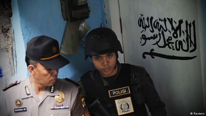 Jakarta Indonesien Festnahme Terrorist Razzia Sondereinsatzkommando Polizei (Reuters)