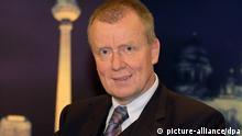 Berlin: Der CDU-Politiker Ruprecht Polenz, Mitglied des Deutschen Bundestages und Präsident der Deutschen Atlantischen Gesellschaft, aufgenommen am 04.11.2004 in der ZDF-Sendung Berlin Mitte. Foto: Karlheinz Schindler