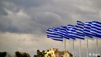 Greek flags in Athens (photo: Axel Schmidt /dapd)