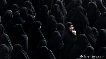 Women wearing the chador (Rechteeinräumung: lizenzfrei, www.farsnews.com)